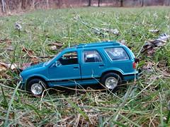 '95 S-10 BLAZER IN 1:43 (richie 59) Tags: winter usa chevrolet grass yard america toy outside toys us backyard gm unitedstates 4x4 chevy chrome suv sideview blazer 4wheeldrive chevys fourwheeldrive 143 diecast generalmotors modeltruck stremy oldchevy 4door s10blazer 143scale chevyblazer mydiecast 2013 toysuv fourdoor modeltrucks gmtrucks gmtruck miniaturecars oldsuv oldchevys roadchamps bluesuv diecastvehicles diecastcollection 2010s chevysuv americansuv 4doorsuv stremyny diecastautos roadchampsdiecast richie59 diecastchevy toysuvs diecastsuv 1995chevy fourdoorsuv feb2013 1990ssuv feb32013 1995chevyblazer 1995blazer colleciblediecast 1990ssuvs bluesuvs