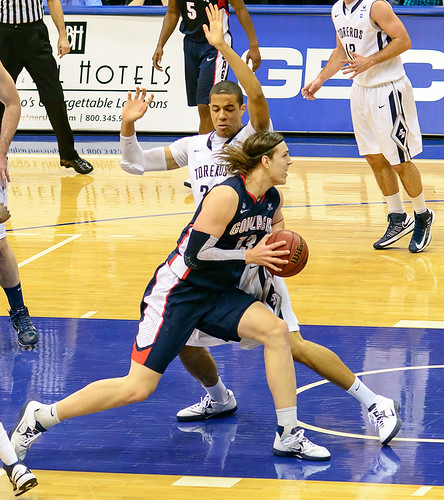 USD Toreros vs Gonzaga Bulldogs 02-02-13  Kell...