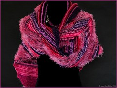 ZONDAGSE STEKEN || LAZY SUNDAY SHAWL (Anne-Miek Bibbe) Tags: pink red knitting nederland lila 365 shawl february rood breien roze paars februari project365 365days 2013 bibber bibbe breiwerk omslagdoek annemiekbibbe 365dagen