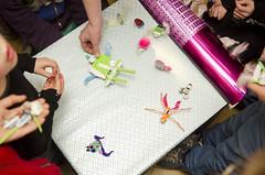 Verkiezing mooiste (Waag | technology & society) Tags: amsterdam kids robots workshop waag electra technologie knutselen plakken nieuwsgierig maken knippen creatief techniek waagsociety fablab solderen bristlebots fabschool fabschoolkids