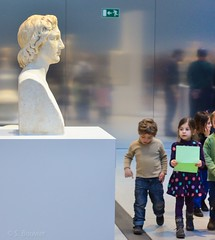 Louvre Lens (JSEBOUVI : thanks for 1.8 million views !) Tags: statue lens louvre vert muse exposition profil feuille pdagogique louvrelens flickriosapp:filter=nofilter uploaded:by=flickrmobilemuselouvrelensok