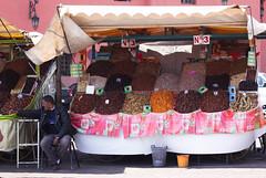 marrakech spices (maria_daniela) Tags: market mercado morocco spices marroqui marrakech marrakesh marruecos frutos jamaaelfna especias frutossecos jmialfan
