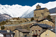 Andorra rural: Anyos, Vall nord (lutzmeyer) Tags: pictures old schnee winter snow mountains history church rural dorf village photos roman nieve religion pueblo kirche chapel images berge oldhouse fotos invierno february febrero chapelle historia andorra antic oldhouses bilder pyrenees neu februar montanas pirineos pirineus febrer pyrenen kapelle capilla historisch capella imatges hivern poble muntanyes vallnord romanesquearchitecture anyos religiousbuilding historiccentre historischeszentrum livingantic livingrural esglesiasantcristofoldanyos lamassanaparroquia lutzmeyer lutzlutzmeyercom