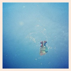 u.c.i. iv (Маriиа) Tags: water underwater heart coração core uploaded:by=flickrmobile flickriosapp:filter=nofilter