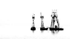brouillard et balises ! (STEPHANE COSTARD PHOTOGRAPHIE) Tags: blackandwhite bw mer lighthouse white black faro noir noiretblanc bretagne brest contraste blanc phare brouillard f28 finistre balises portdebrest canon7d 70200mmlisii