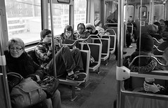 All.  Aboard. (Fogel's Focus) Tags: leica chicago train cta 33 el transit commuting m4p film:iso=640 acufinediafine developer:brand=acufine developer:name=acufinediafine film:brand=freestylearista freestylearistalegacypro film:name=freestylearistalegacypro400 filmdev:recipe=8328 voigtlandernoktoncv35mmf14sc