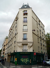 Paris, France (Mic V.) Tags: street paris france building home architecture corner de coin 21 ile des 75 rue agence orteaux vitruve