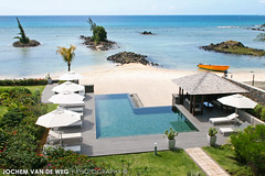 Holiday Place (Jochem van de Weg) Tags: sea summer vacation sun holiday beach water pool relax point island paradise relaxing sunny swimmingpool chilling tropical tropic mauritius aux chill zon luxe tropisch zonnig
