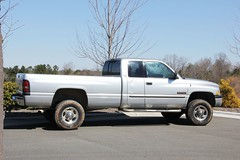 5000. 2001 Dodge Ram 2500 Double Cab SLT Pickup Truck