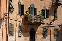 Pisa, Italy (Ineke Klaassen) Tags: window windows pisa italy ita italia itali city stad toscana toscane tuscany lantern balkon balcony old sony sonyalpha sonya6000 building blinds luiken ilce outdoor