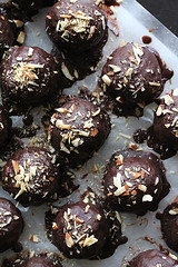 chickpea truffles (Annabelle Orozco) Tags: cultivarium recipes styling food colors breakfast vegan plants chickpea truffles chocolate