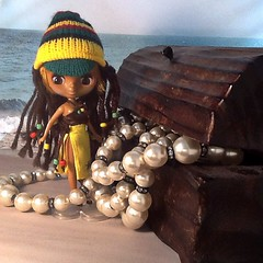 Blythe-a-Day August#15: Pirates of the Caribbean: Caribbean Jewel Finds a Treasure