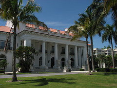 Flagler Museum (Terry Hassan) Tags: usa florida palmbeach palm flaglermuseum house mansion whitehall pillars column residence architecture museum