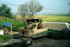 L1000236 (KiRInMao~~~) Tags:   travel  leica leicacamera zeiss carlzeiss zeisslens csonnar sonnar 50mm 50mm15 streetphotography csonnart1550 t northkorea