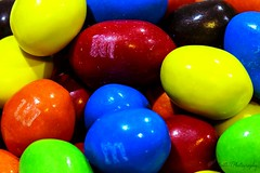 M&M's IMG_3452-1 (matwith1Tphotography) Tags: matwith1t canon 100mm macrophotography macromonday sweetspotsquared colorful candy mms flickrfriday simplyirresistible