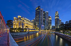 View of Cityscapes at Singapore River from Anderson Bridge (gintks) Tags: gintaygintks gintks landscapes onefullerton may bank uob maybank bluehour singapore singaporetourismboard singapur sg51 boattrails yoursingapore exploresingapore empressplace cbd centralbusinessdistrict