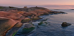 DSC_1260   Southern Point (NordVei) Tags: southern point finland outdoor landscape sea sunset sky suomi suomenlahti hanko rock red veikko nordman nature reserve nikon panorama water