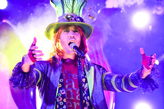Mad T Party - The Mad Hatter (EverythingDisney) Tags: band disney dca madhatter aliceinwonderland californiaadventure hatter mtp madtparty