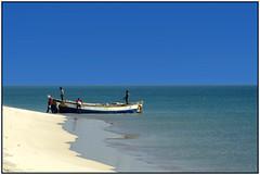 Fishermen (Madhusudanan Parthasarathy) Tags: blue people india green beach boat nikon flickr fishermen explore rameswaram icapture 2013 dhanuskodi d5100