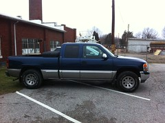 "2000 GMC Sierra 2wd after 3"" spindle lift (jases10) Tags: that 2000 suspension body quality it 17 even after they states putting rims silverado gmc heres rubbing though recommend 3spindleliftonthefrontthebacknowsitsaboutahalfinchlowerthanthefrontsogotsomeaddaleafscomingthespindleliftpushesthefrontwheelsoutappox112inchesstillabletorun16"