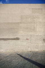 concrete walls (carolinamadruga) Tags: madrid espaa tree muro wall concrete arbol pared spain farola shadows que lamppost what cemento sombras qu manzanares concretewalls