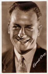 Reginald Denny (Truus, Bob & Jan too!) Tags: cinema film vintage movie star kino european postcard picture cine screen movies actor british postal denny postale reginald cartolina carte postkarte filmstar ansichtskarte ansichtkaart filmster postkaart sarony reginalddenny briefkaart tarjet briefkarte
