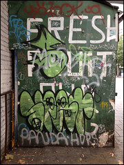 Spat / 10 Foot (lewis wilson) Tags: urban graffiti tags urbanart graff tagging elephantandcastle spat 10ft 10foot ldngraffiti