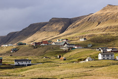 Torvheyggur v.m. (Jan Smedemark) Tags: water islands faroe suuroy tvroyri froba