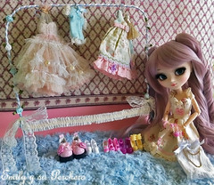 Emily and her romantic rack handmade with Fil de Fer ( Felicity ) Tags: flower silk chiffon wig pullip nanette fildefer lavenderrose leekeworld obitsusbhm