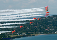 RedArrowsx10 (Anhedral) Tags: brayairshow2016 airdisplay airshow redarrows formation raf royalairforce