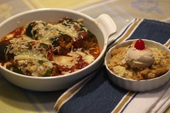 Vegetable-Stuffed Zucchini. Courgette farcie. Apple Crisp w/Cashew ice cream. (Traveling with Simone) Tags: food icecream crmeglace applecrisp gratindepommes indoor meal dinner dner zucchini courgettes cheese tomatosauce