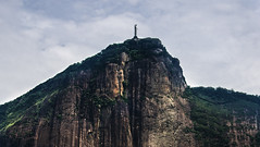 Cristo (tincho.uy) Tags: nkon d7100 cristo redentor brasil brazil amarica christo jesus corcovado montaa cerro morro favela paseo viajes