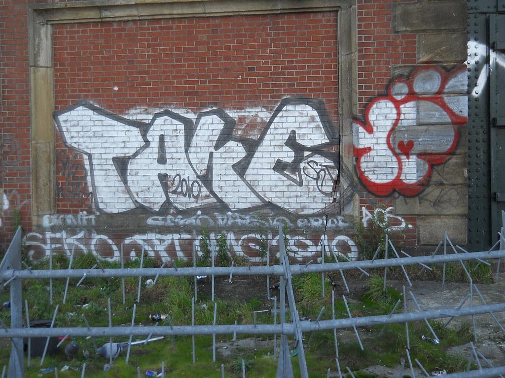 Take 10ft gavkasso tags london graffiti take 10foot