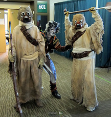 Khajiit like to Sneak (Lucky--Kat) Tags: cat starwars costume feline cosplay convention armour luckycat emeraldcitycomicon pickpocket sandpeople khajiit tuskenraiders skyrim