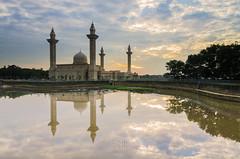 Sunrise   Tengku Ampuan Jemaah Mosque, Bukit Jelutong   Single Exposure (Mohamad Zaidi Photography) Tags: lake reflection water sunrise mirror mosque malaysia masjid teratai shahalam manmadelake singleexposure lee09hgnd bukitjelutong tokina1116 nikond7000 mohamadzaidiphotography masjidtengkuampuanjemaah