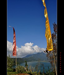 Bali: Laghi gemelli (twin lakes) Buyan e Tamblingan (Jambo Jambo) Tags: bali panorama indonesia landscape lakes twin laghi laghigemelli buyan nikond5000 jambojambo tambligan