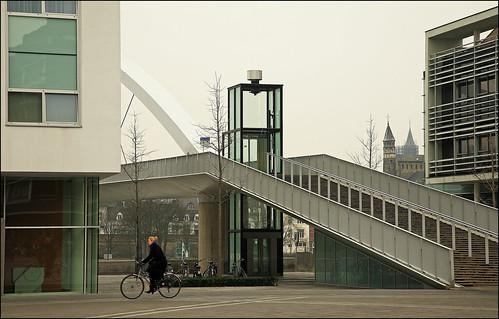 Hoge Brug côté Céramique à Maastricht