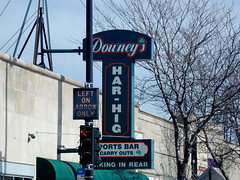 Downey's Har-Hig Sports Bar (Mark 2400) Tags: sports bar harlem higgins downeys harhig