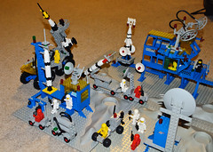 Lego Space Classic (InSapphoWeTrust) Tags: lego 920 928 483 497 462 6950 6823 897 legospace 6971 galaxyexplorer mobilerockettransport rocketlaunchpad surfacetransport alpha1rocketbase mobilerocketlauncher intergalacticcommandbase spacecruiserwithmoonbase
