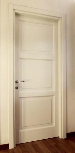 Porta interna frassino tre pannelli
