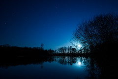 13/52 Moonrise on Hatfield Forest Lake (Mark Seton) Tags: moon lake night stars places moonlight essex hatfieldforest uttlesford countyofessex