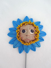 maxime flower garden stake (playsculptlive) Tags: blue flower garden polymerclay stake pcagoe april102013