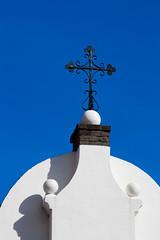 Lekker weer eindelijk ... (Raymond Kuilboer) Tags: blauw kerk kruis weert