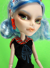 Jade (nonaptime) Tags: ooak bratz repaint customdoll monsterhigh ghouliayelps rochellegoyle
