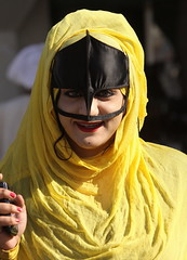 the sultanate of oman (Retlaw Snellac Photography) Tags: market hijab oman burqa sinaw