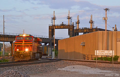 "Westbound Autorack Train in Kansas City, KS (""Righteous"" Grant G.) Tags: auto city railroad sunset west heritage train ns norfolk railway trains southern kansas locomotive westbound autorack"