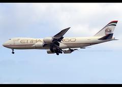 Boeing | 747-87UF/SCD | Etihad Cargo (Atlas Air) | N855GT | Hong Kong | HKG | VHHH (Christian Junker | Photography) Tags: nikon d800 nikkor d800e dslr 70200mm plane aircraft boeing b74787ufscd b747800f b748f b7478f b747f etihadcargo atlasair 5y gti giant giant5220 5y5220 gti5220 n855gt widebody heavy jumbo cargo freighter arrival landing 25r airline airport aviation planespotting 37567 1476 375671476 hongkonginternationalairport cheklapkok vhhh hkg hkia clk hongkong sar china asia lantau avsecobuilding christianjunker flickraward zensational flickrtravelaward wwwairlinersnet superflickers worldtrekker hongkongphotos