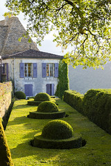 _DSC7606 (Robby68) Tags: vert marqueyssac jardin dordogne nature france soir suspendu