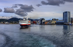 Leaving Bod (Lanzen) Tags: hdr photomatix ferry boat marine ferje hurtigruten ms spitsbergen water harbour bod nordland norway