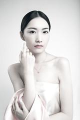 Xiaosu Feng (www.ricardosilvestre.com) Tags: seleccionar beauty asia asian chinese china woman fashion jewell jewelry ring satin